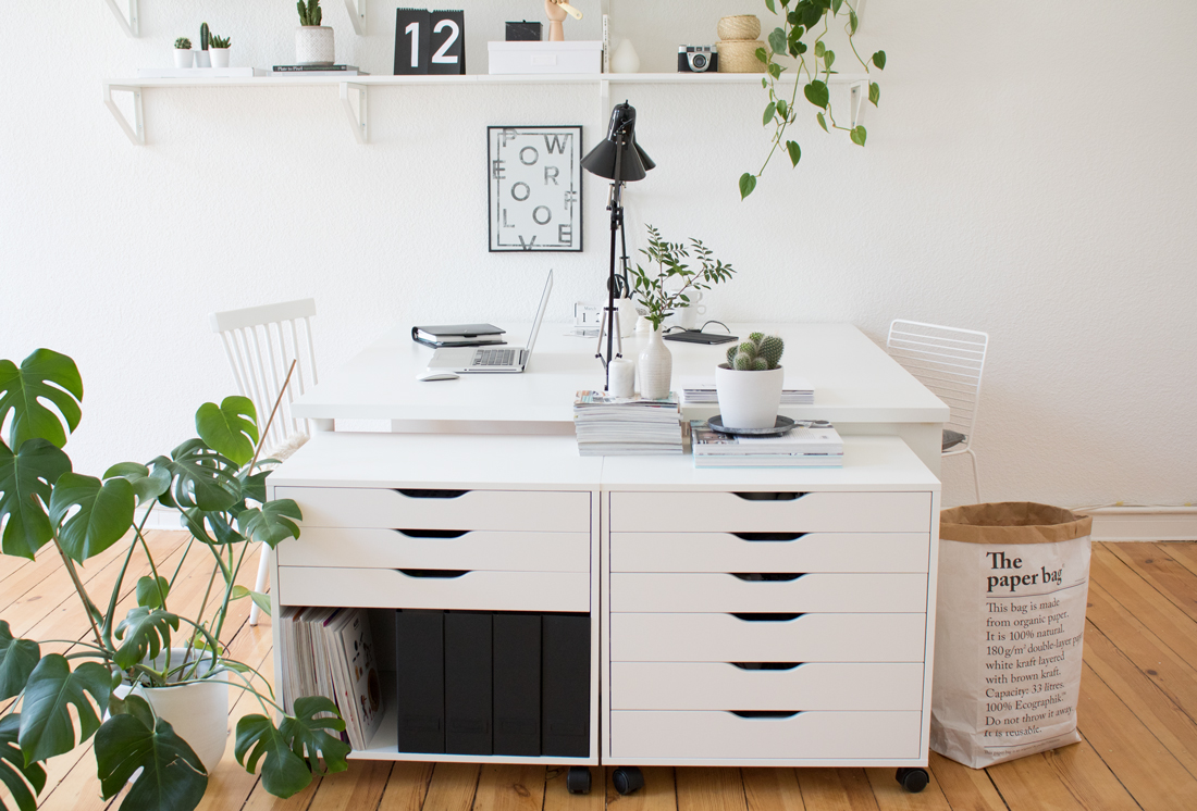 Let\'s get to work | Green Home Office - pretty nice