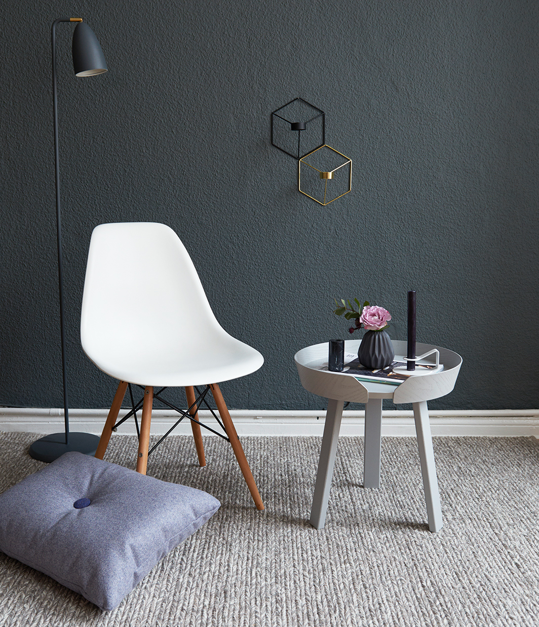 Gestylt der around coffee table von muuto pretty nice for Beistelltisch sofalehne