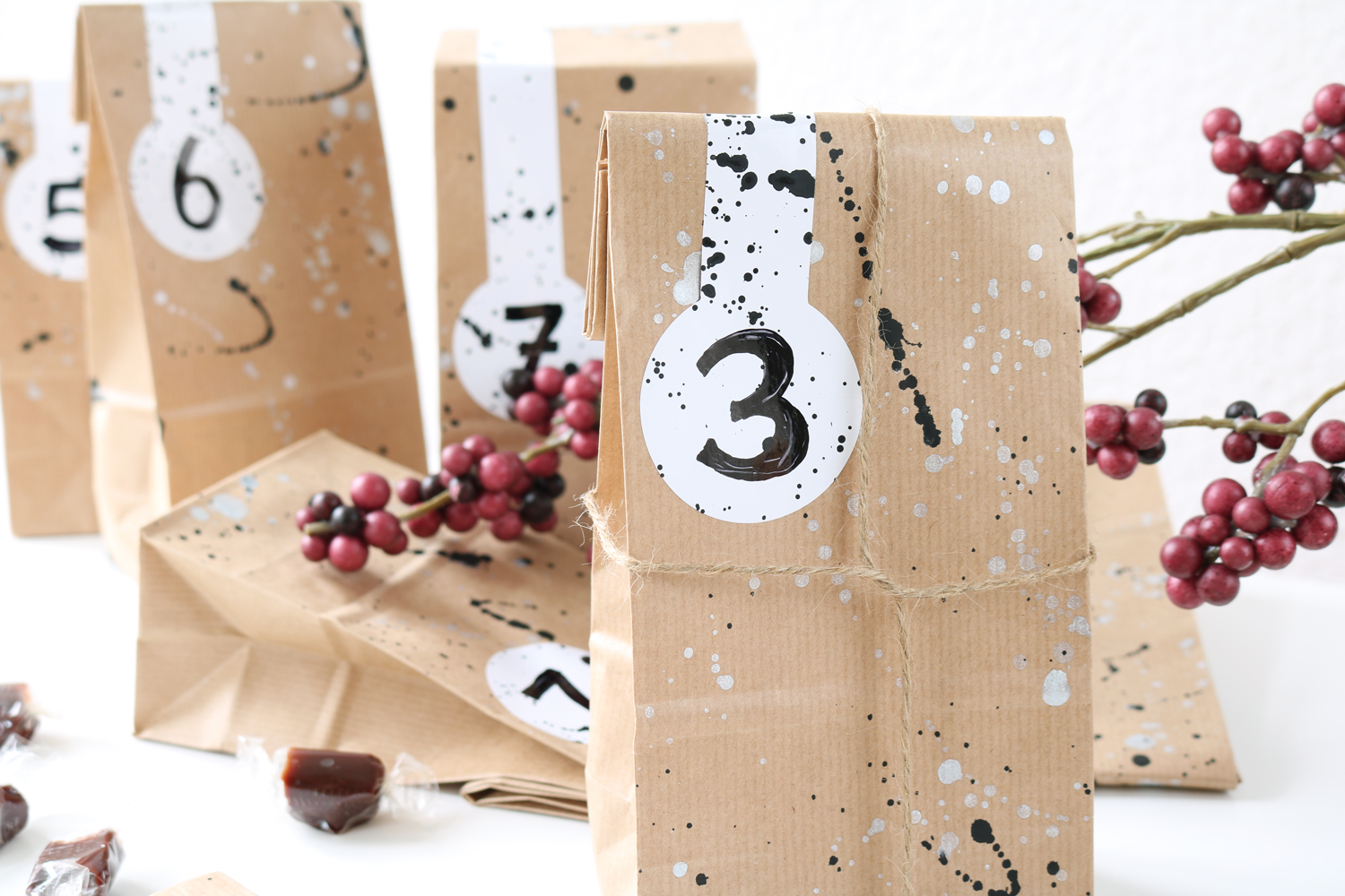 diy farbklecks adventskalender pretty nice. Black Bedroom Furniture Sets. Home Design Ideas