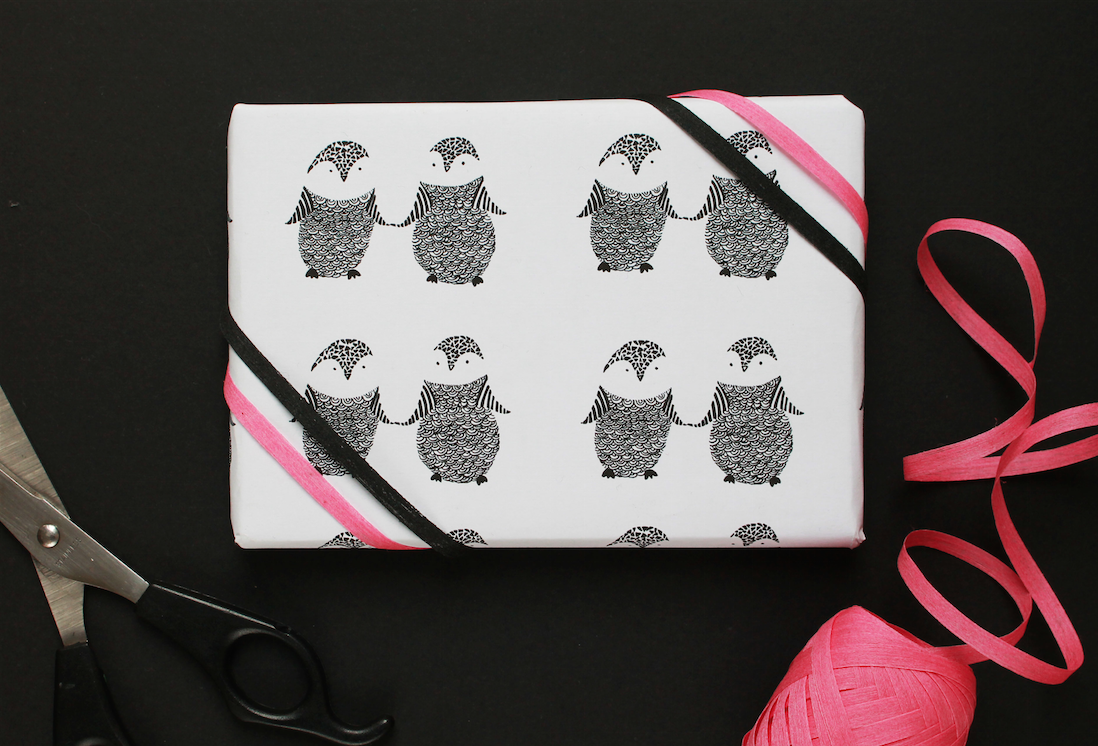 free-printable-penguin-wrapping-paper
