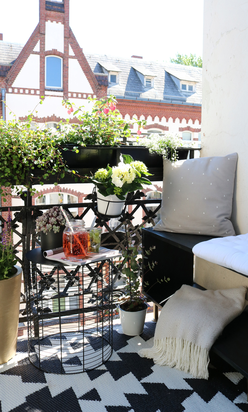 mini stadt balkon gestalten pretty nice. Black Bedroom Furniture Sets. Home Design Ideas